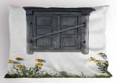 Gri Ahşap Pencere Yastık Kılıfı Sarı Çiçek Dekoratif