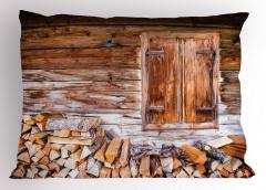 Ahşap Ev ve Odunlar Yastık Kılıfı Nostaljik Mimari