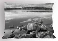 Sonbaharda Göl Kıyısı Yastık Kılıfı Sonbaharda Göl Kıyısı Doğal Cennet