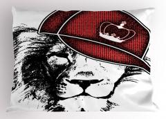 Kral Şapkalı Aslan Yastık Kılıfı Siyah Kırmızı