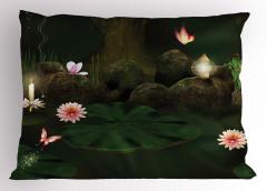 Mistik Orman Baskılı Yastık Kılıfı Çiçekler Kelebekler