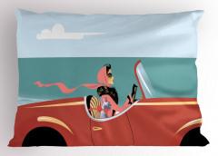 Kırmızı Arabadaki Kadın Yastık Kılıfı Deniz Gökyüzü