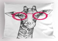 Pembe Gözlüklü Zürafa Yastık Kılıfı Pembe Gözlüklü Zürafa