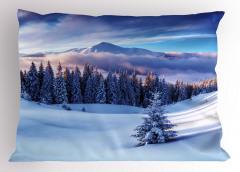 Karlı Dağlar ve Ağaçlar Yastık Kılıfı Karlı Dağ Manzaralı Bulutlar