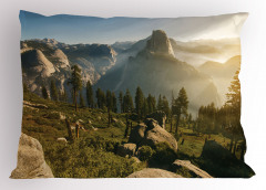 Doğada Sisli Sabah Yastık Kılıfı Dağ Orman