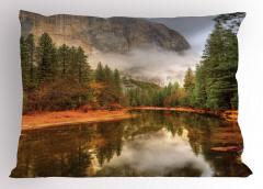 Sisli Ormandaki Göl Yastık Kılıfı Doğal Cennet Orman Dere