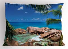 Kayalıklı Minik Ada Yastık Kılıfı Mavi Okyanus Kayalık