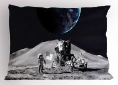 Ay'daki Astronot Temalı Yastık Kılıfı Gri Uzay Kozmos