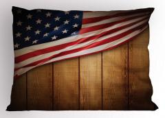Kahverengi Ahşap Temalı Yastık Kılıfı ABD Bayraklı