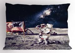 Ay'daki Astronot Temalı Yastık Kılıfı Gri Lacivert Şık