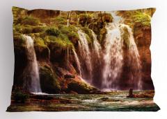 Ormandaki Şelale Yastık Kılıfı Yeşil Doğa