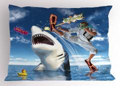 Köpek Balığına Tekme Yastık Kılıfı Deniz