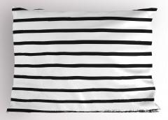 Siyah ve Beyaz Çizgili Yastık Kılıfı Şık Tasarım