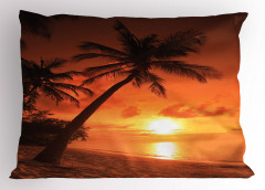 Palmiyeli Plajda Gün Batımı Yastık Kılıfı Turuncu