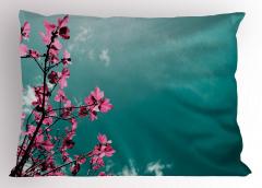 Pembe Çiçek ve Gökyüzü Yastık Kılıfı Dekoratif Şık