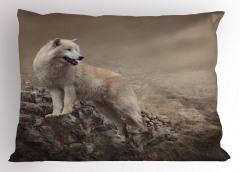 Beyaz Kurt Yastık Kılıfı Gri Fon Vahşi Doğa