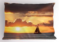 Gün Batımındaki Yelkenli Yastık Kılıfı Bulut Deniz