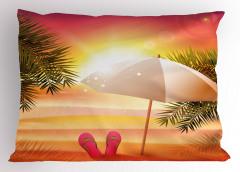 Şemsiyeli Plajda Gün Batımı Yastık Kılıfı Turuncu