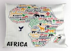 Afrika Hayvan Haritası Yastık Kılıfı Beyaz Fonlu