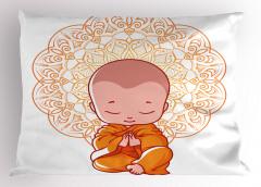 Meditasyon Yapan Minik Keşiş Yastık Kılıfı Turuncu