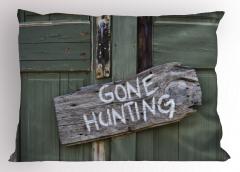 Gri Ahşap Kapı Yastık Kılıfı Avcılık Dekoratif