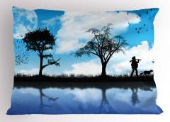Köpekli Adam Desenli Yastık Kılıfı Mavi Gökyüzü Kuş