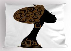 Şık Şapkalı Afrikalı Yastık Kılıfı Kahverengi Etnik