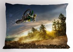 Motosikletle Uçan Adam Yastık Kılıfı Mavi Gökyüzü