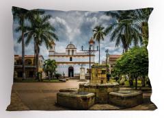Palmiye ve Kilise Yastık Kılıfı Ağaç Doğa Gökyüzü