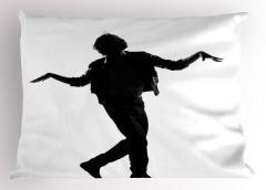 Dansçı Adam Yastık Kılıfı Siyah Beyaz Sanatsal