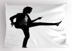 Şapkalı Dansçı Yastık Kılıfı Siyah Beyaz Sanatsal
