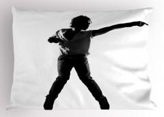 Beyaz Tişörtlü Dansçı Yastık Kılıfı Siyah Sanatsal