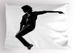 Siyah Şapkalı Dansçı Yastık Kılıfı Beyaz Sanatsal