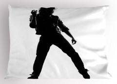 Figür Yapan Dansçı Yastık Kılıfı Siyah Beyaz Sanatsal