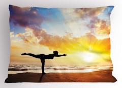 Sahilde Yoga Yastık Kılıfı Gökyüzü Sağlık Spor