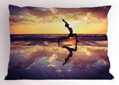 Bulutlar Altında Yoga Yastık Kılıfı Deniz Gökyüzü