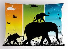 Filler ve Kelebekler Yastık Kılıfı Kuş Gökyüzü