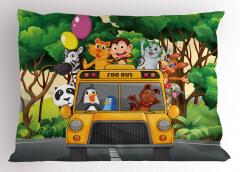 Otobüsteki Hayvanlar Yastık Kılıfı Sarı Yeşil Ağaç