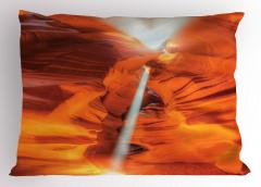 Kanyon Manzaralı Yastık Kılıfı Turuncu Yansıyan Işık