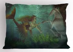 Deniz Kızı ve Denizatı Desenli Yastık Kılıfı Yeşil