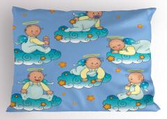 Bulutlarda Oynayan Tatlı Bebek Melekler Yastık Kılıfı