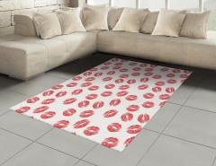 Kırmızı Ruj İzli Halı (Kilim) Kırmızı Ruj İzi Etkili Şık Tasarım