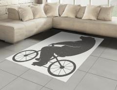 Bisiklete Binen Ayı Halı (Kilim) Siyah Beyaz