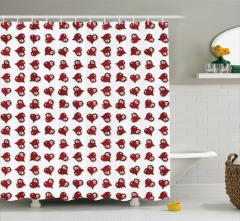 Minik Kalpli Kuru Kafa Desenli Duş Perdesi Kırmızı
