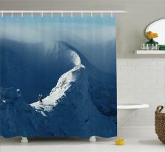 Karda Yürüyen Yalnız Dağcı Temalı Duş Perdesi