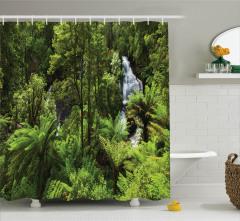 Ormandaki Şelale Temalı Duş Perdesi Yeşil Ağaç Doğa