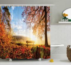 Sisli Sonbahar Manzaralı Duş Perdesi Güneşli
