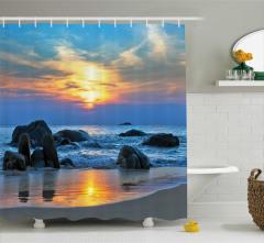 Güneş ve Kayalık Sahil Temalı Duş Perdesi Mavi
