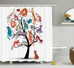 Çocuklar için Duş Perdesi Ağaçta Rengarenk Kediler