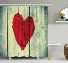 Aşk Temalı Duş Perdesi Kırmızı Kalp Ahşap Etkili
